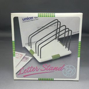 LETTER STAND